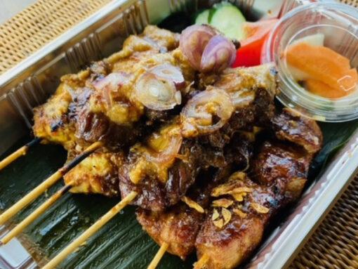 サテチャンプル(インドネシア串焼き3種盛)3